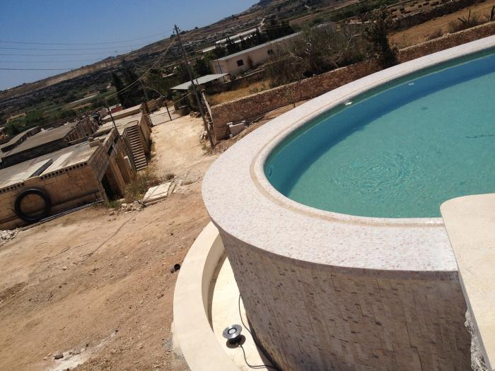 raised rounded pool