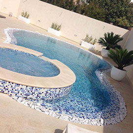round pool with jacuzzi